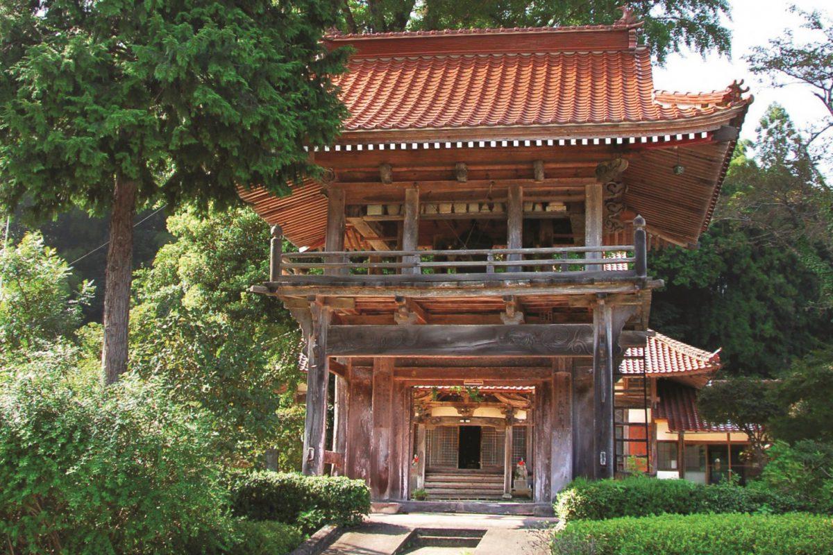 写真1:長江寺山門