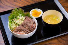 写真2:川本食堂の料理を選択