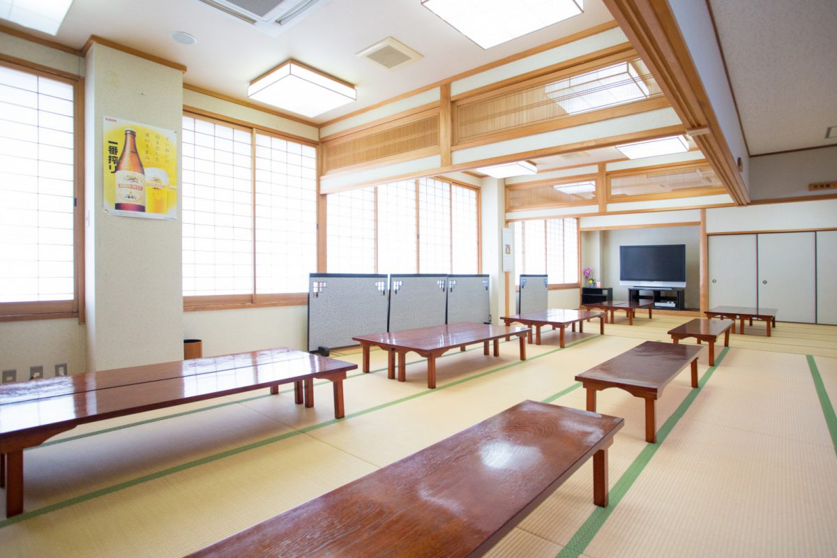 写真3:弥山荘店内(座敷)