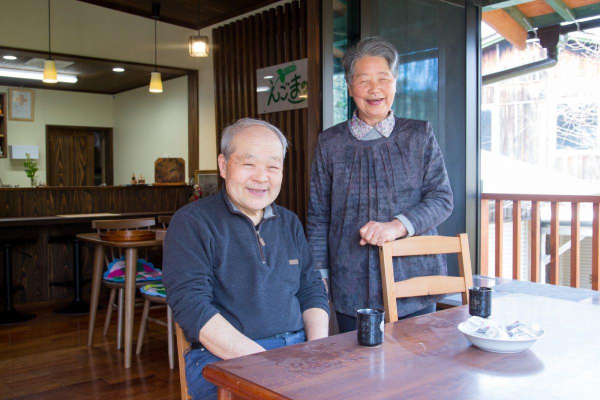 写真1:カフェを営む竹下さん夫婦