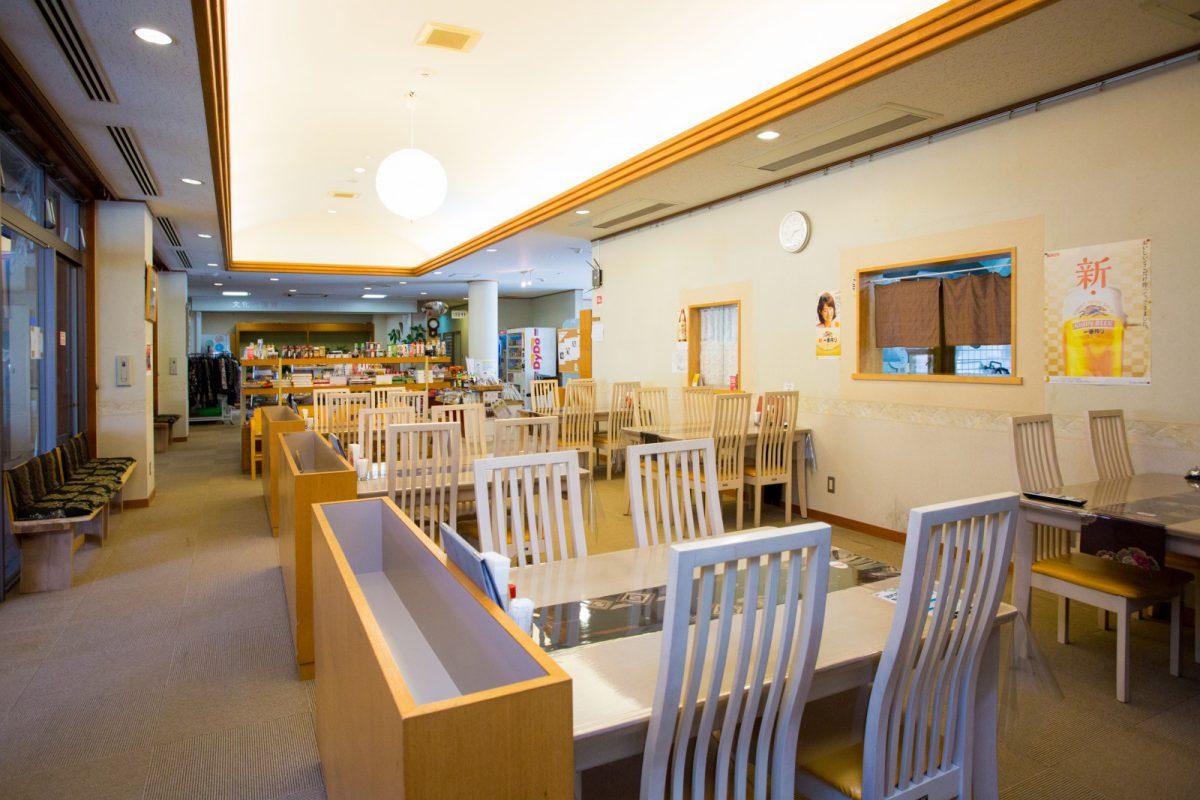 写真2:弥山荘店内