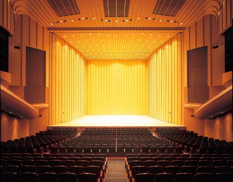 悠邑ふるさと会館の大ホール
