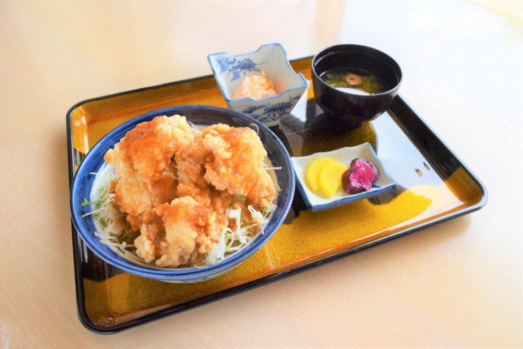 写真:米喰い岩ごつごつ丼